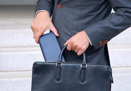 オーダーメイドの本革オリジナル長財布でスタイリッシュに!