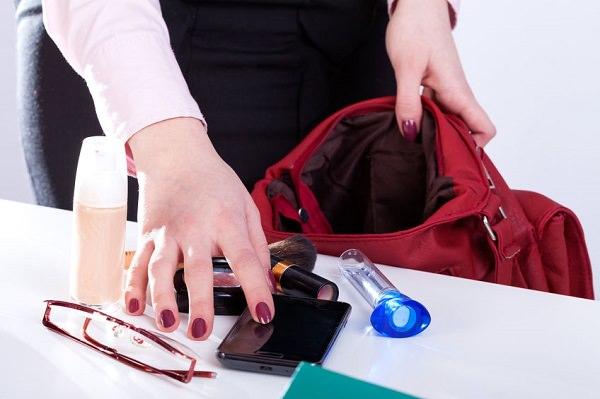 毎日使う鍵、オーダーメイドのレザーキーケースでおしゃれに包みこんでみませんか?
