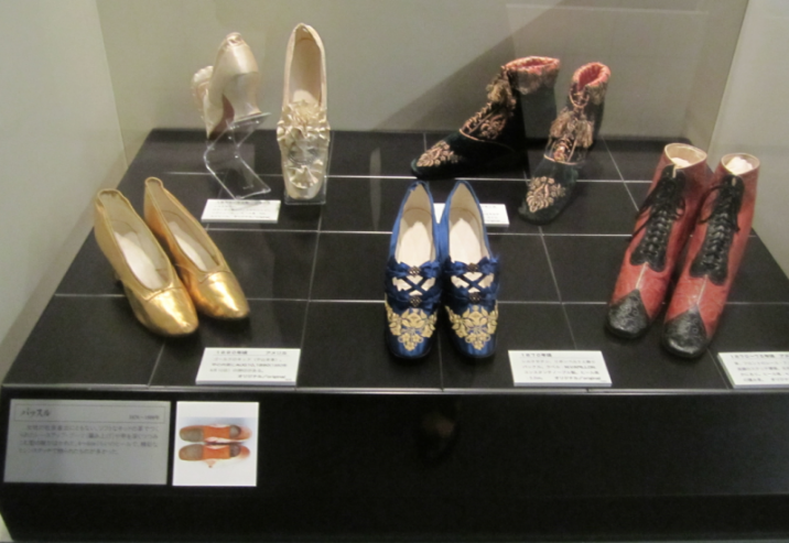 19世紀後半の編み上げやボタン付きの靴