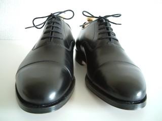 英国靴の名門中の名門メーカーである!