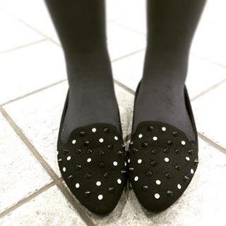 日本では足の寸法がそのままサイズとして表記されている