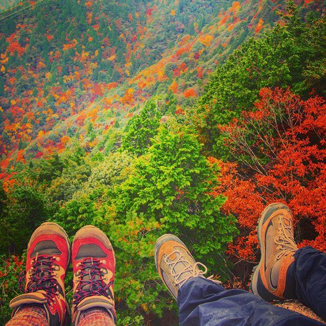 ぴったりのトレッキングブーツを履いてこんな紅葉を見に行こう!