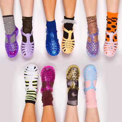 カラーバリエーションが豊富なので靴下との組み合わせもさまざま