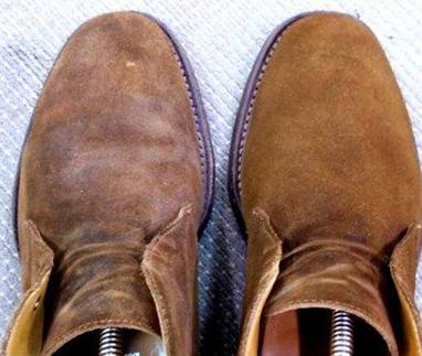 スエード靴のお手入れ、していますか?
