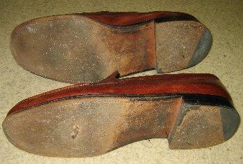 靴底全体が傷んでいる!?