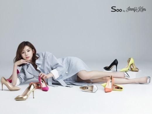 韓国の女優やアーティストとのコラボシューズも多数