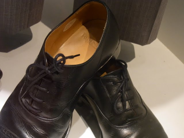 映画で使用されたのはポールスチュワートの靴