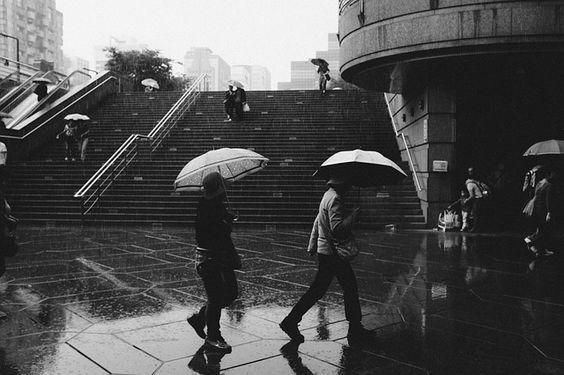 雨の日でもスマートに革靴を履く男性はかっこいい!