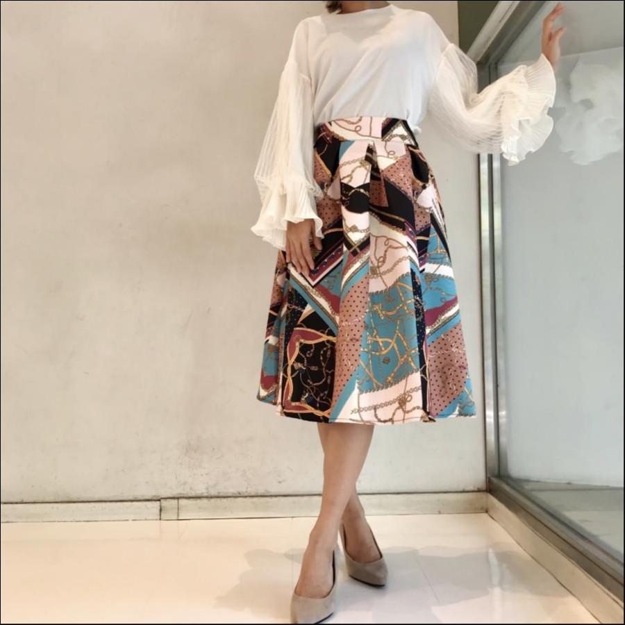 ジャガード織スカーフ柄フレアスカート