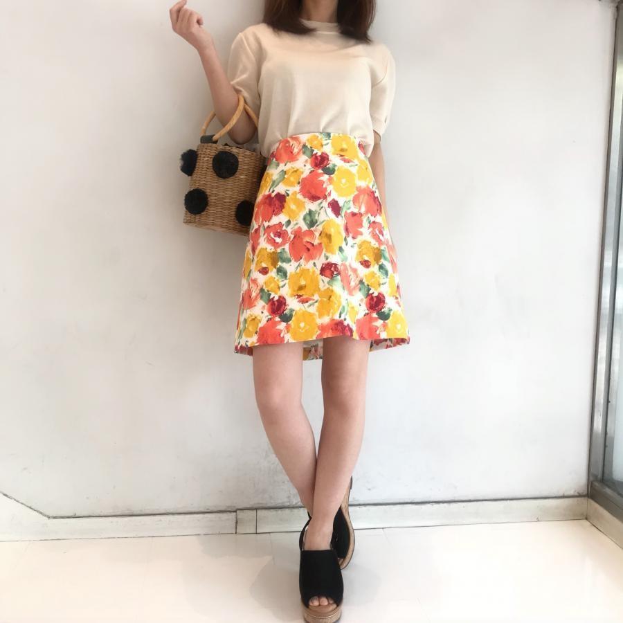 大花柄台形ミニスカート