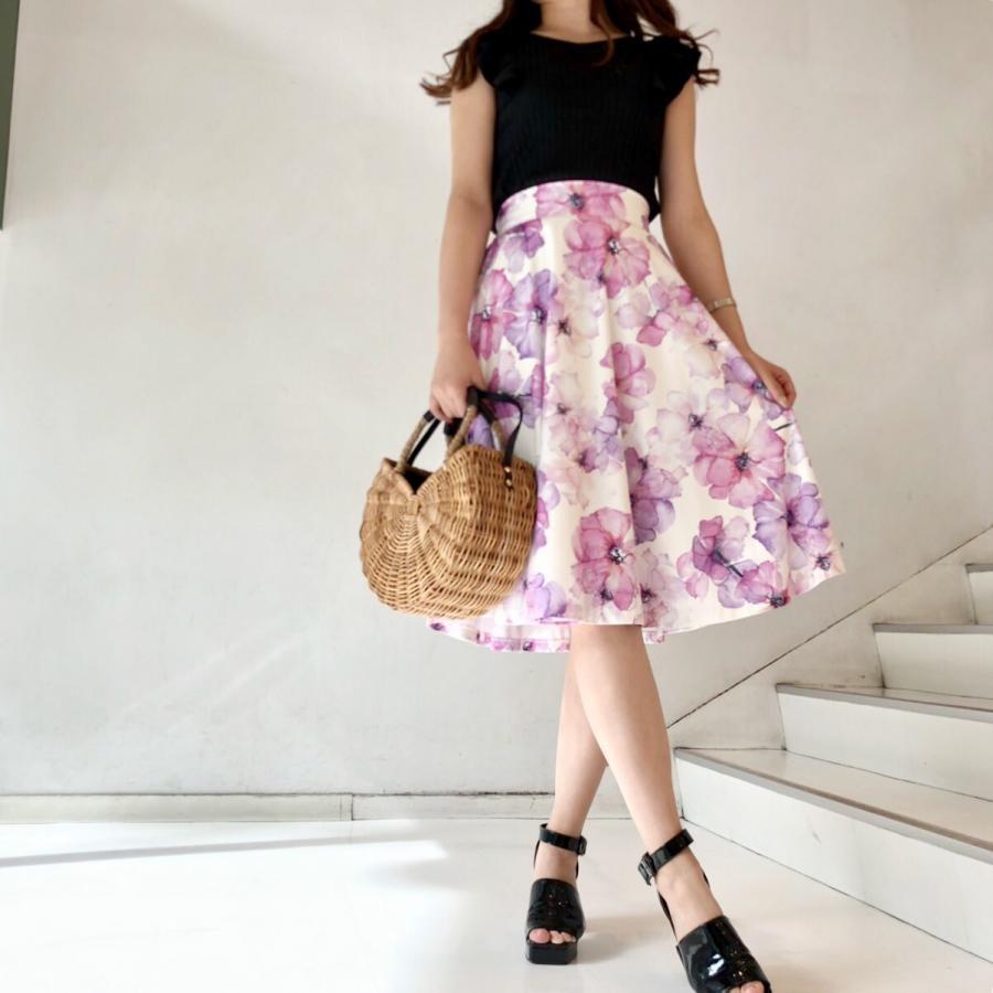 デジタルプリント花柄スカート