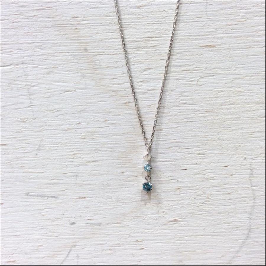 ブルーダイヤモンドネックレス
