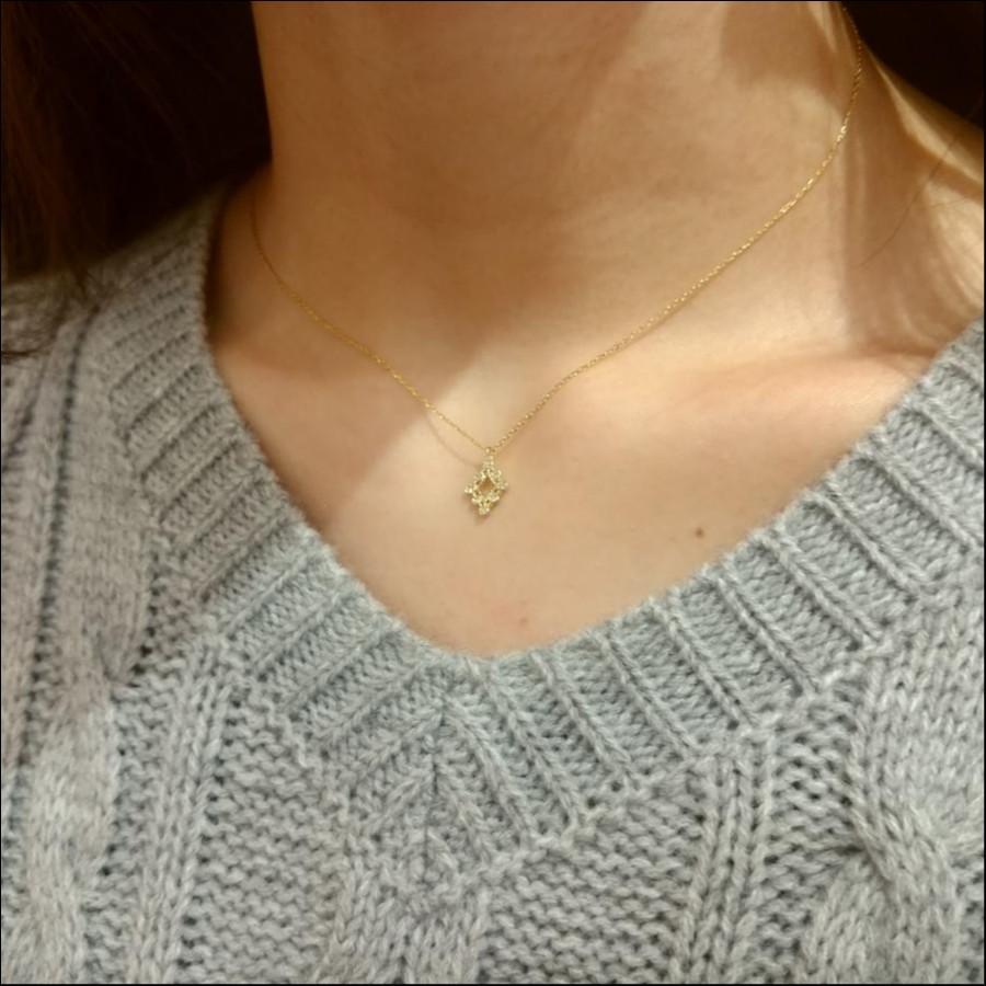 ダイヤ型オープンネックレス