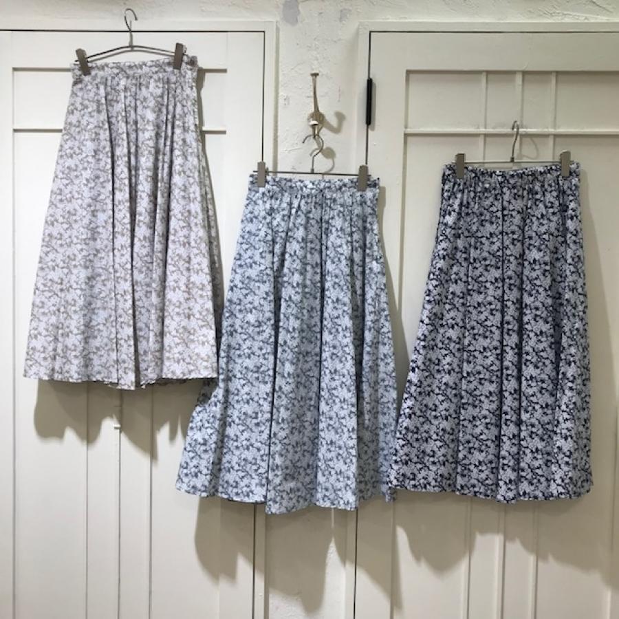 花柄ローンフレアスカート