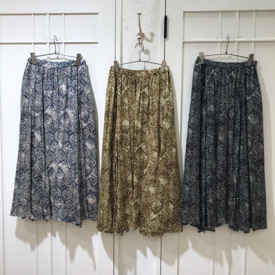 かすれダマスクプリントギャザースカート