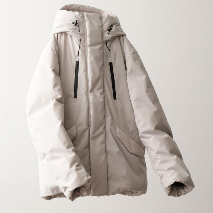 ピュアホワイトダウンジャケット