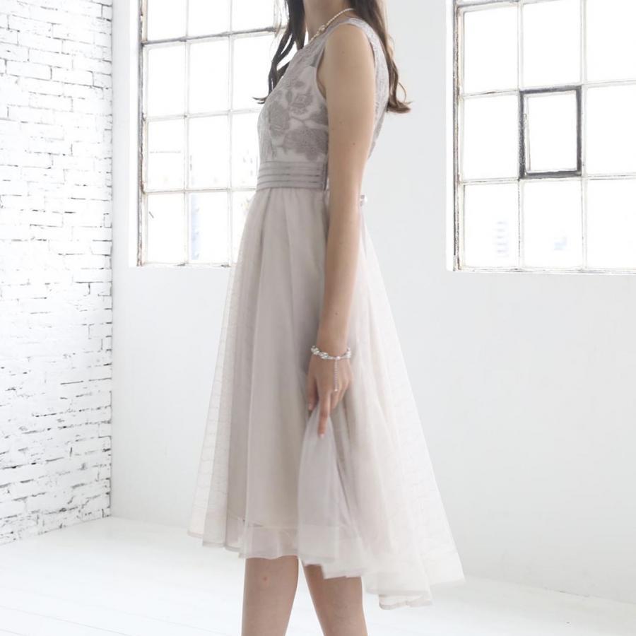 刺繍切り替えチュールスカートフィット&フレアドレス