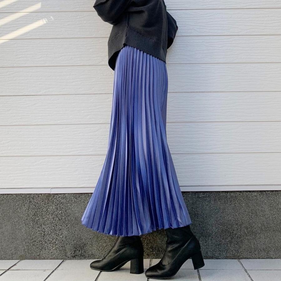 ピカピカプリーツスカート