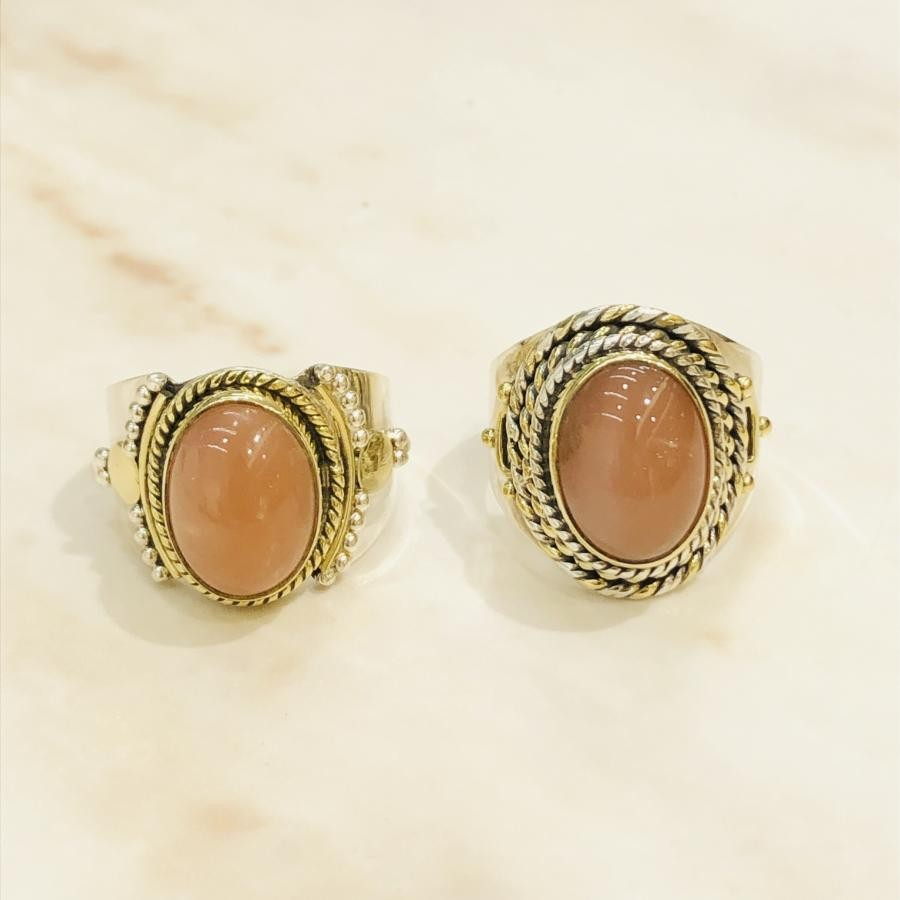 Peach moon stone  ring 〈connect〉