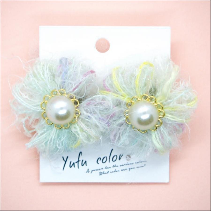 【期間限定販売】yufu color 手作り糸のもっこもこお花ピアス