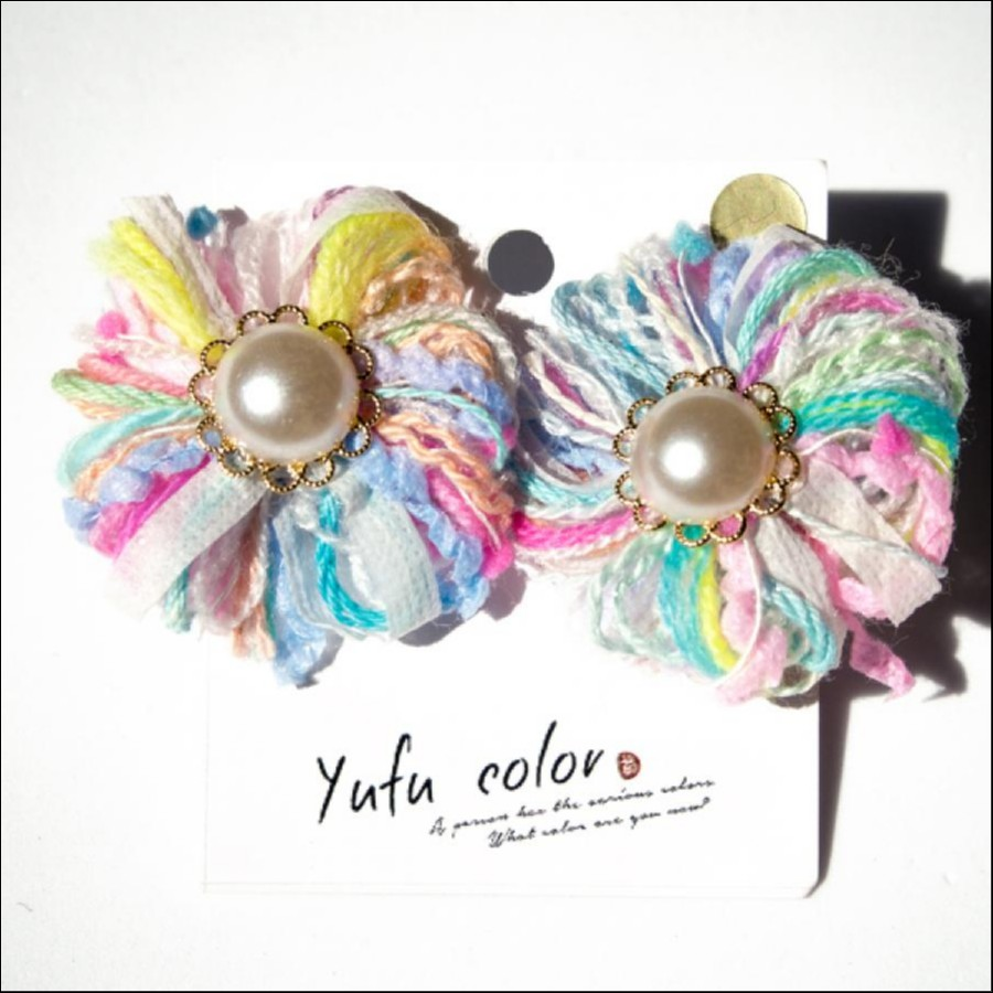 [期間限定販売] yufu color 手作り糸のもっこもこお花イヤリング(パステルカラー)