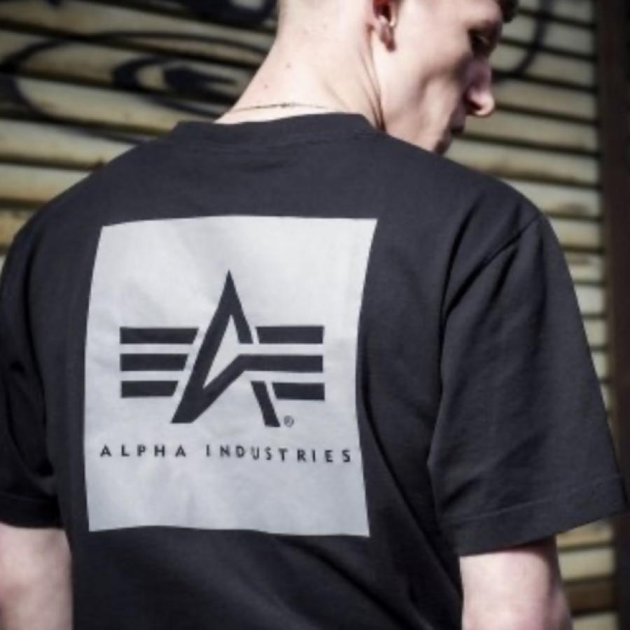 リフレクターバックプリント半袖Tシャツ