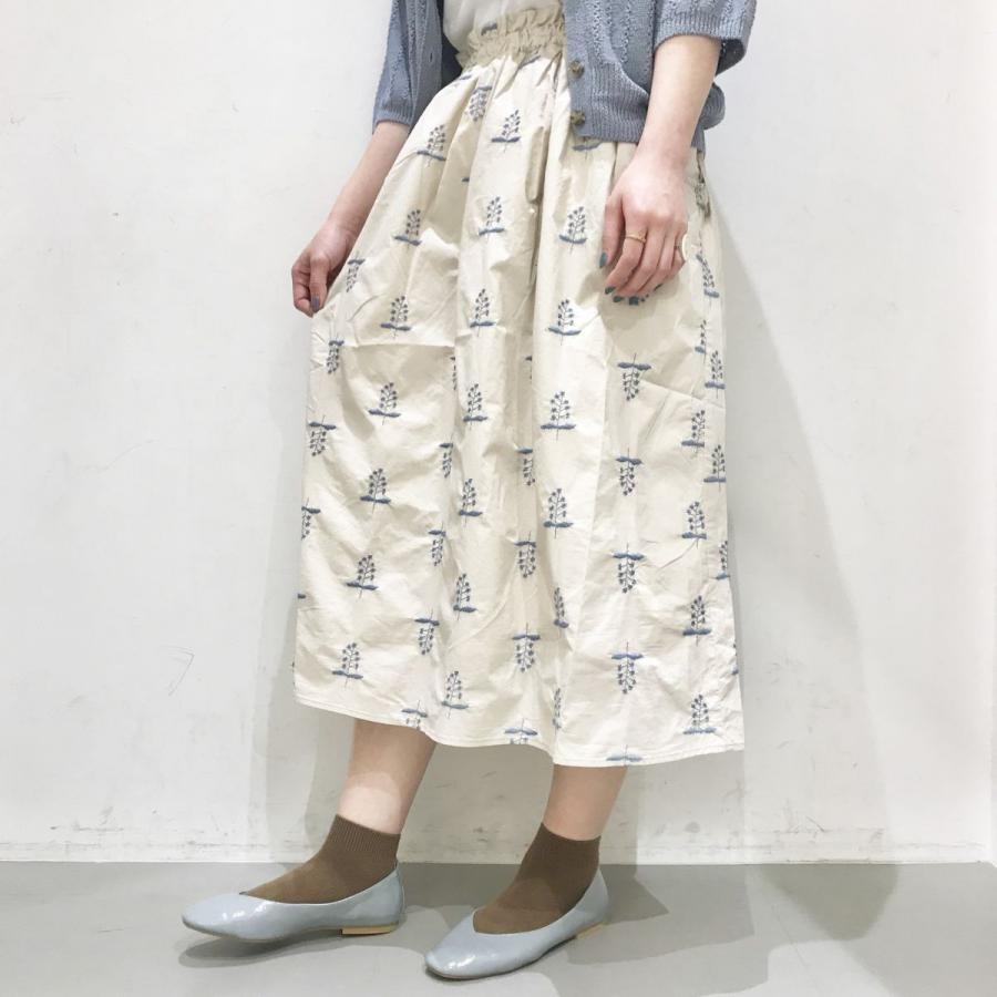 スターフラワー刺繍ギャザースカート