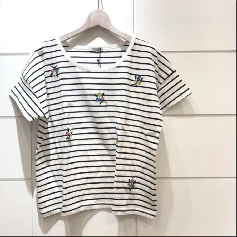 ランダム刺繍Tシャツ