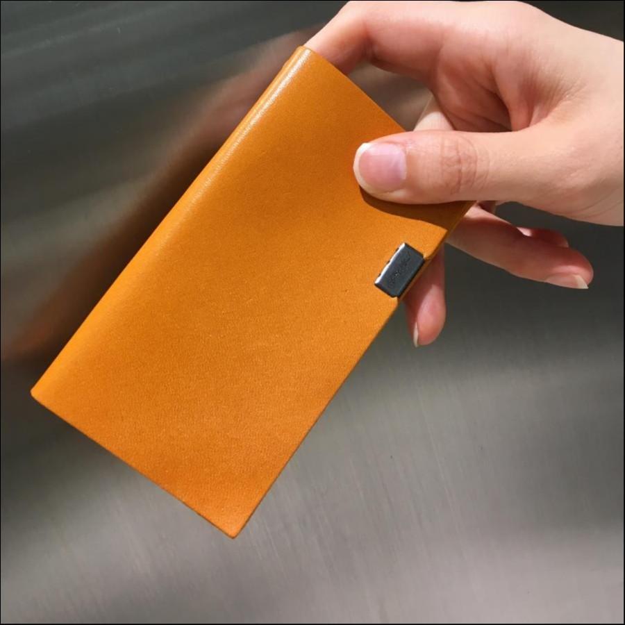 所作カードケース キャメル