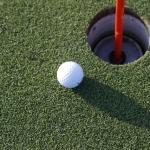 妊娠初期にゴルフは危険!妊娠中に控えたいスポーツについて