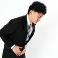 胃が痙攣して激痛!まずは細く長い呼吸と水分補給。症状が治まっても病院で診察を