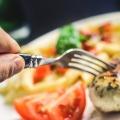 排卵日は食欲が増加する!でも食べ過ぎずバランスに注意しよう