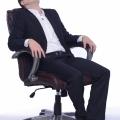 貧乏ゆすりの原因は精神的ストレスと身体的な不具合によるもの?!貧乏ゆすりは心身を調節する本能的な行動