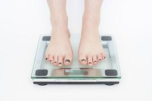 diet-398613_640 体重計 ダイエット 量る