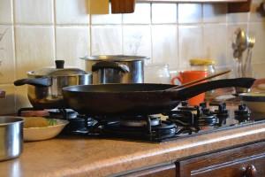 kitchen-328011_640 キッチン フライパン 台所 料理 家事 調理