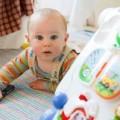 赤ちゃんのO脚は早く治さないと危険?いいえ!多くは正常な発達の範囲内です!