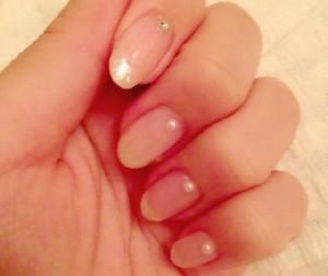 指先のキレイを台無しにする薄爪の原因