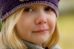 crying-572342_640 泣く女の子 涙