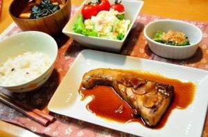 洋食よりは和食の店で食べる