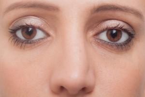 1c232ef9279f6d5e14ff550579dd312e_s 外国人女性の目 アイメイク まつげ 鼻