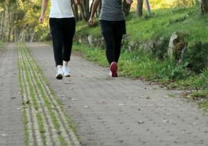 メラトニンを増やす方法は昼間の軽い運動