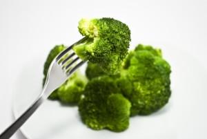 7d8e0c032550e025235a8766b48cad88_s ブロッコリー 野菜 フォーク サラダ 食品 食べ物 野菜