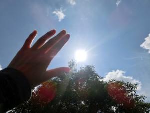 a1e570bfc79b4756cbcd9c23cf2ae385_s sun 太陽 陽射し 日差し 紫外線 夏