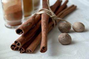 spices-834114_640 シナモンスティック シナモンパウダー ナツメグ
