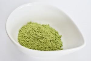 粉末緑茶を普通の洗顔フォームに混ぜて使う方法もあります。