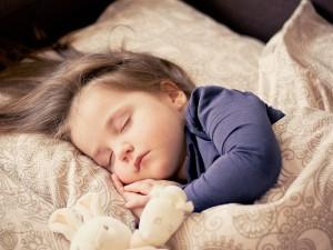 baby-1151351_640 子供 子ども 乳児 赤ちゃん 睡眠 眠る