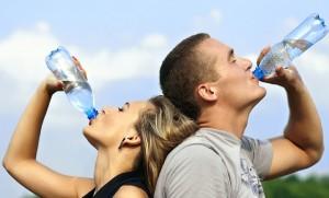 スポーツドリンクの効率的な飲み方は?糖分に注意です