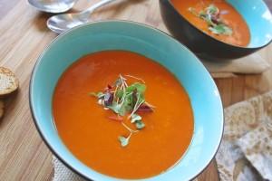断食の夜は薄味の野菜スープで締めくくります