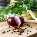 健康に良い『玉ねぎ』でも生玉ねぎを食べ過ぎると体臭がきつくなる?!