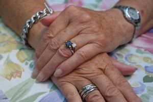 爪の見た目も老化する